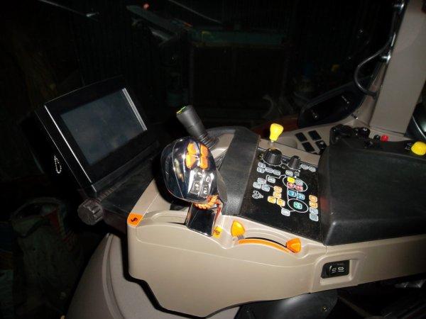 Intérieur du Case IH  Puma Cvx 200
