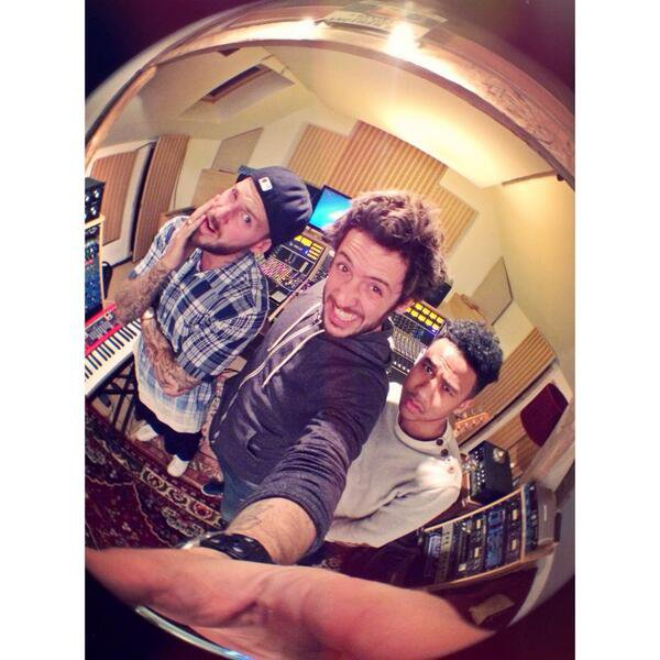 Et hop ! One more hit song with @mpofficial @joerafaa ! #enroutepourlalbum6