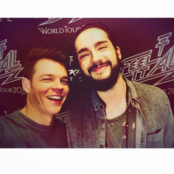 Georg instagram : Thanks for the selfie @tomkaulitz #FeelitAll #torg #brussels