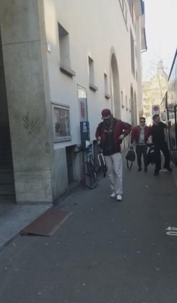 15 Mars, 2015 Zurich  - TH arrivent sur le site