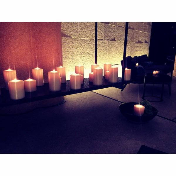 Bill instagram : massages et bougies#journée de pause#milan#italie. massages and candles #dayoff #milan #italy