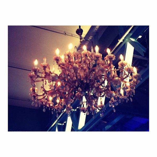 Bill instagram : beautiful venue tonight. can't wait #feelitall #tour #munich #letsgo