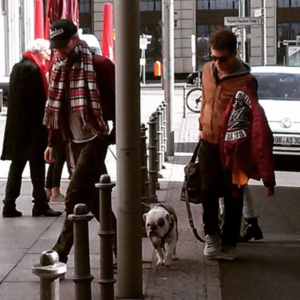 Berlin, tokio hotel arrivent à l'hôtel le 22 mars 2015