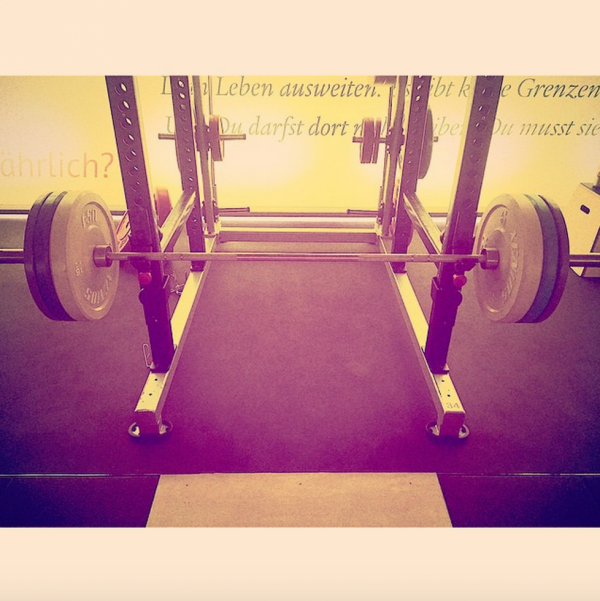 "Georg instagram : ""Late Night #workout all alone#clearyourmind#happyweekend"