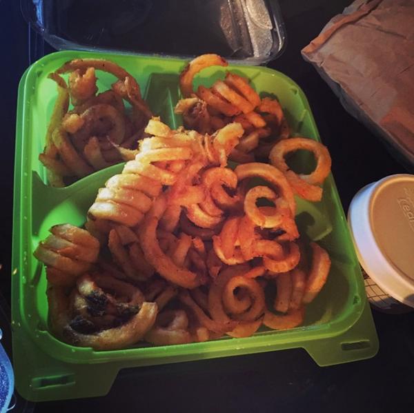 Bill instagram : #dinner #justhowilikethem