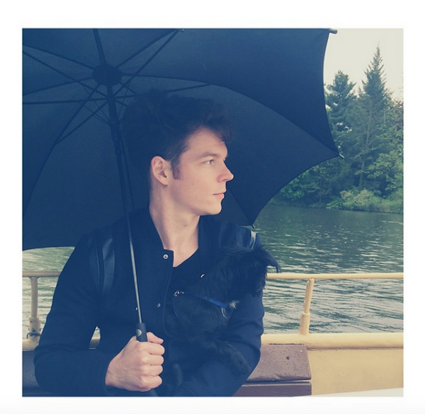 Georg instagram : Rainy boat trip 🚣☔️ #sundays #mybuddy