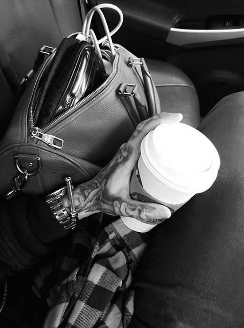 Bill instagram : mornings #starbucks #louisvuitton #uber