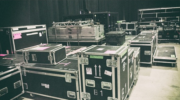 tokio hotel instagram : Packing backline for our America dates now! ??? !  TIX: http://www.tokiohotel.com/tour #Tetris #FIAUS #FIALatinAmerica #Tour #Live