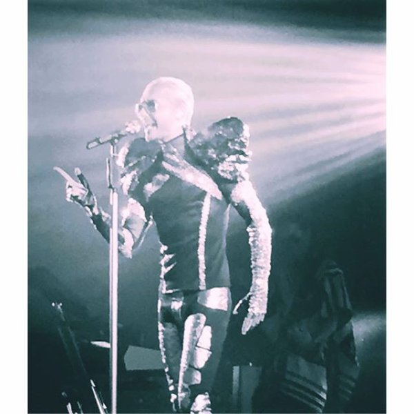 Bill instagram: Prêt?  # Part2 #feelitalltour #usa # 20daysleft