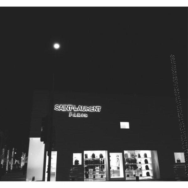 Bill instagram : Je suis au#saintlaurent paradis. I'm in #saintlaurent heaven