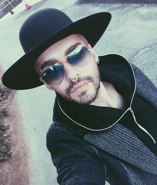 Bill instagram : Getting cold#monday#layers