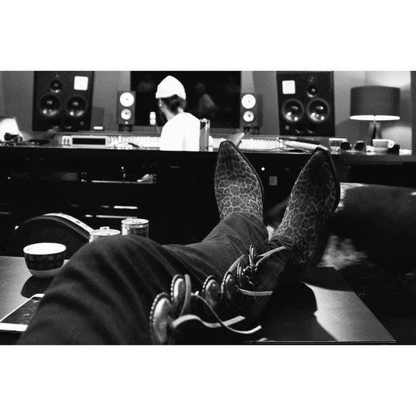 Bill instagram : Au #labo🎤 #tokiohotel #nouvelalbum