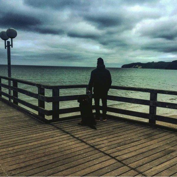 Gustav instagram : 🌾🌊🌥🏄🐚 #sea #wednesdays #holiday #walk. #mer#mercredi#vacances#marche.