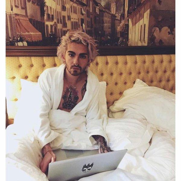Bill instagram : waking up in #milan se réveiller à #milan
