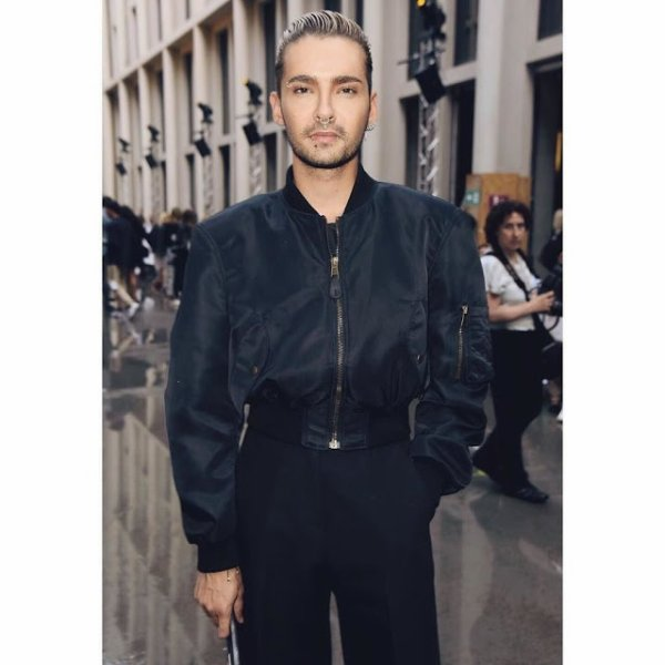 Bill Kaulitz Instagram 1340 [16.07.2017] - sometime last week in Balenciaga and J. Mendel 👌🏻