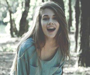 Dans une situation où tu ne doit surtout pas rire, ton cerveau te fait un petit best-of de tous les trucs marrants de ta vie.