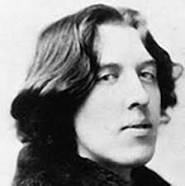 «L'homme veut être le premier amour de la femme, alors que la femme veut être le dernier amour de l'homme.» - Oscar Wilde