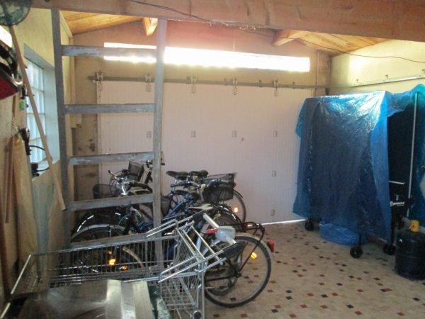 Garage voiture et v los location for Location garage voiture