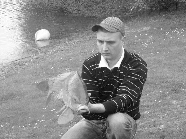 petite péche rapide au étang de meurchin et ma premier carpe de cette année une commune de 6 kilo