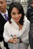 Vanessa à Paris pour l'avant première de voyage au centre de la terre 2 ( en février 2012)
