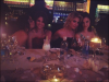 Petite photo perso des filles de Spring Breakers dans un restaurant a Toronto