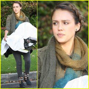 Jessica a été vue allant a Neimann Marcus puis emmené Haven chez le docteur