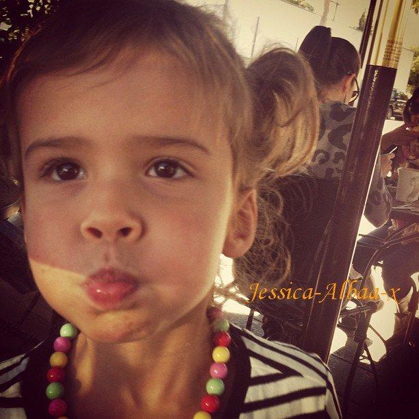 Ton Blog Source Sur La Magnifique Jessica Alba et Son Adorable Famille ♥