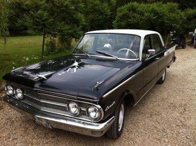 je viens de terminer ma mercury comet 1960. 6 cylindres en ligne, voiture avant et voiture fini