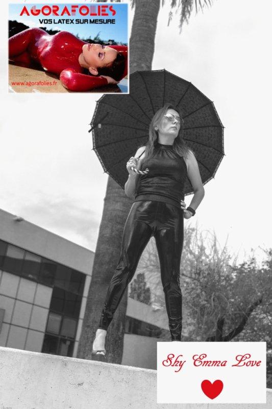 AGORAFOLIES - Ses leggings sur mesure. + SHY EMMA LOVE