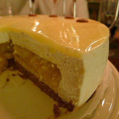 Mousse banane, biscuit coco, mangue et ananas : l'entremet « Rêve des Iles »