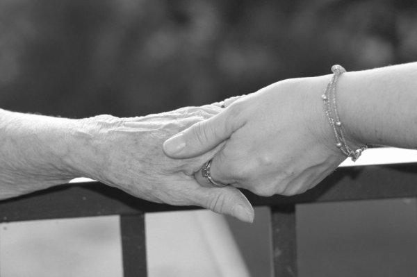 AIDONS LES AIDANTS : CAMPAGNE DE SENSIBILISATION