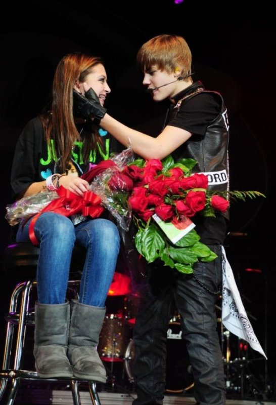 Selena Gomez et Justin Bieber : les photos du Q 102 Jingle Ball !
