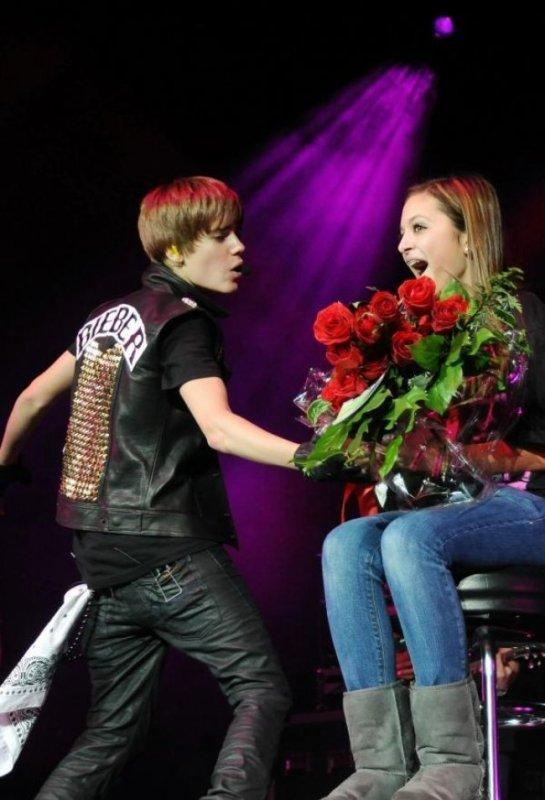 Selena Gomez et Justin Bieber : les photos du Q 102 Jingle Ball !