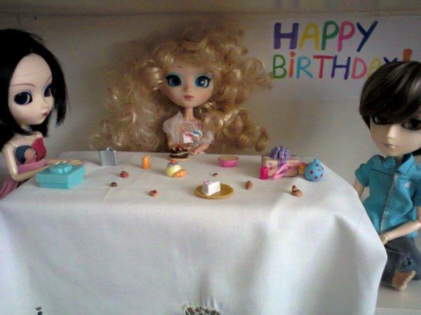 Photo pour le concours de SaladFamilyPullip/ Miss-Pullip-Sucre/ Dazzling-Dolls/ Dolls-infinity et SweetieDolls