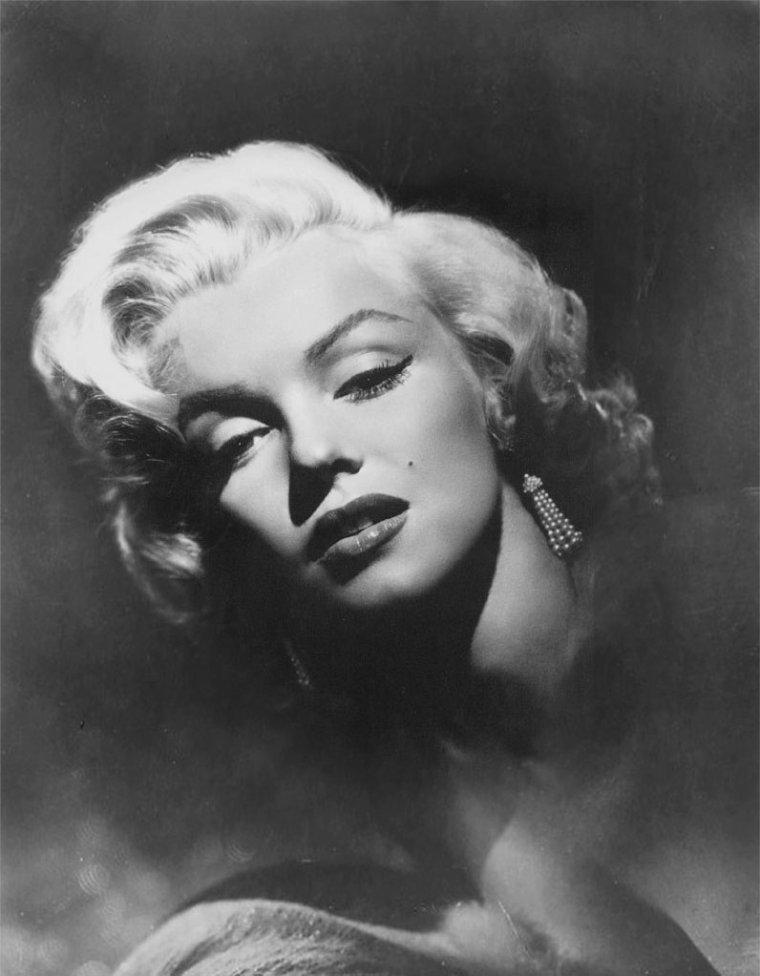 """1952 / by Frank POWOLNY... Portraits publicitaires pour """"Gentlemen prefer blondes""""."""
