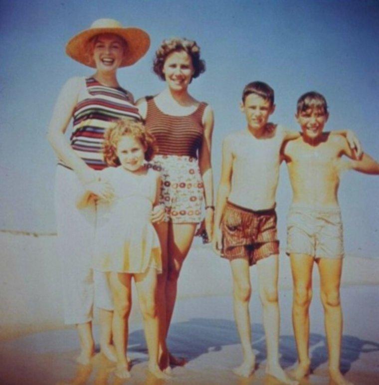 1957 / En vacances chez les ROSTEN à Long-Island...