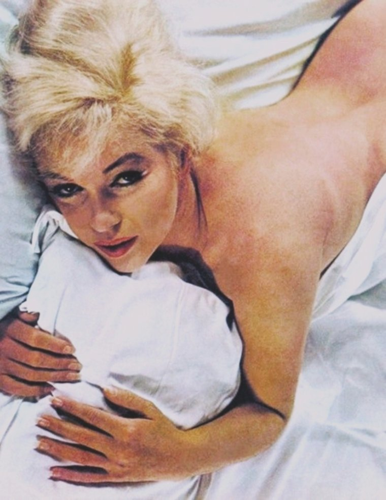 1960 / by Eve ARNOLD... (à ne pas confondre avec la série de photos qu'elle fera en 1961 avec Douglas KIRKLAND ; quelques similitudes).
