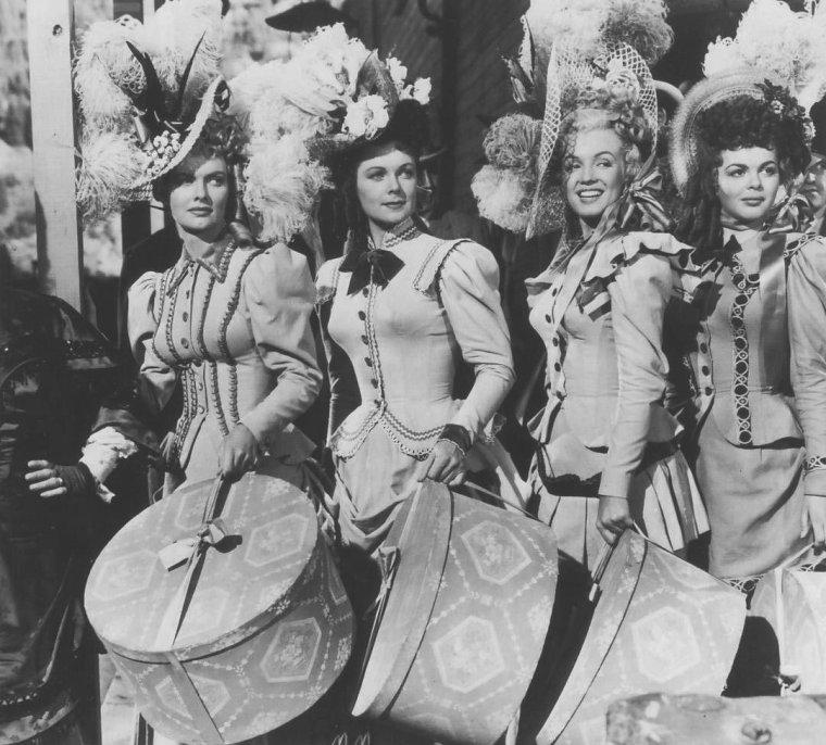 "1949-50 / Scène des danseuses où Marilyn interprète Clara dans ""A ticket to tomahawk""."