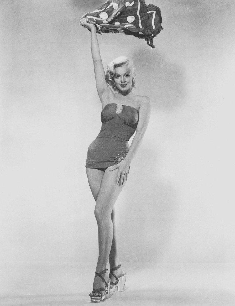 "1953 / by Bert REISFELD... Photos publicitaires pour ""How to marry a millionaire""."