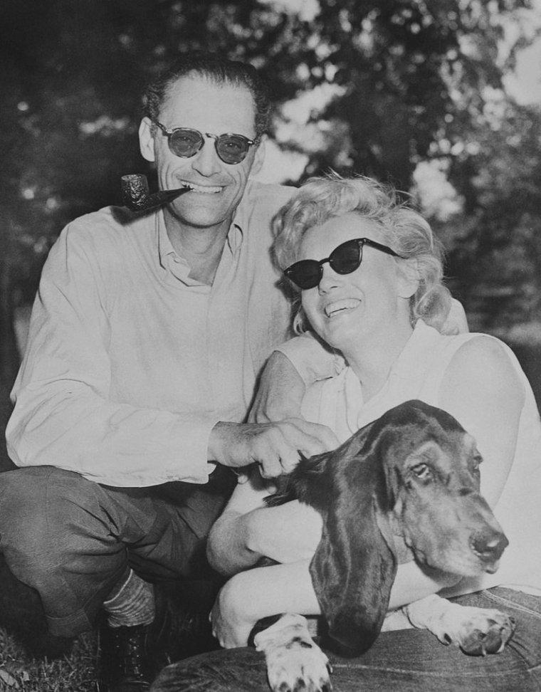 1956 / Marilyn, Arthur et Hugo à Roxbury dans le Connecticut... (propriété de MILLER).