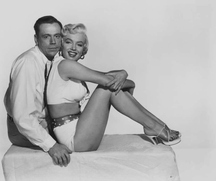 "1954 / Photos promotionnelles de Marilyn et Tom EWELL pour le film ""The seven year itch""."