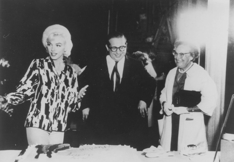 "1er Juin 1962 / 36ème anniversaire de Marilyn sur le plateau du film ""Something's got to give"" (part 2)."