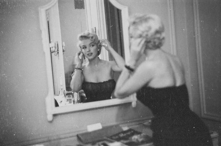 "1954 / by George BARRIS... Fête à New-York au ""Club 21"" lors de ""The seven year itch"". (part 2)."