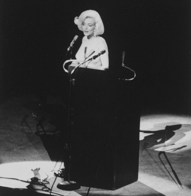 "19 Mai 1962 / Marilyn chante le fameux ""Happy birthday dear Mr President""... (part 3, voir TAG)."