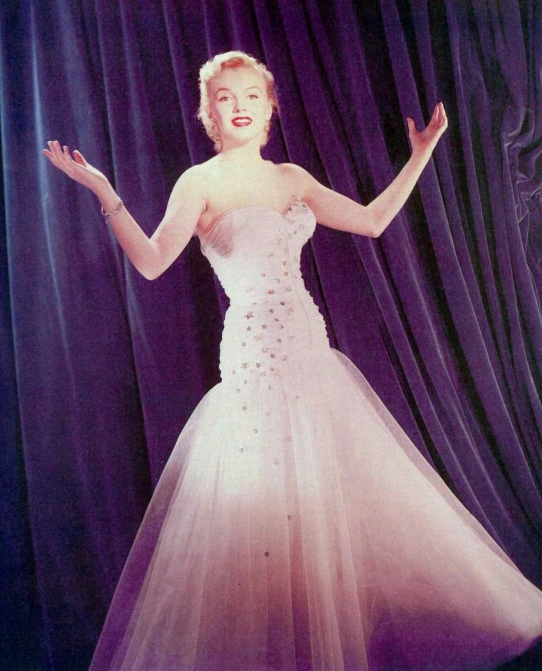 """1950 / Photos publicitaires pour le film """"All about Eve""""."""