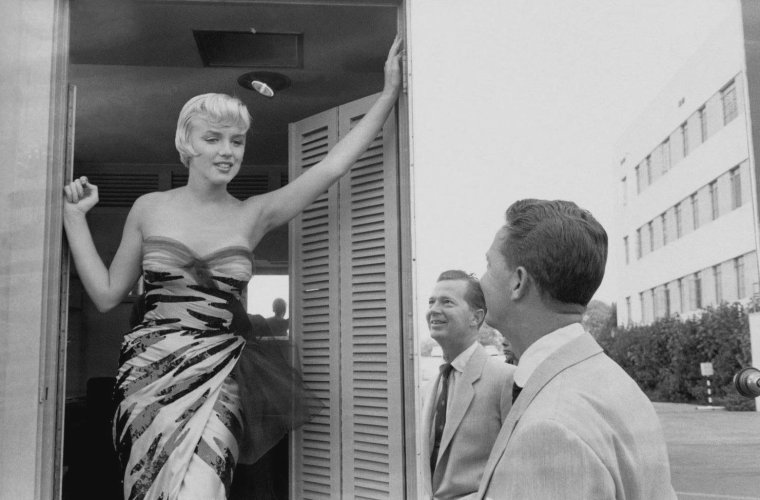 "1954 / (certaines photos signées Sam SHAW)... Marilyn lors du tournage de ""The seven year itch""."
