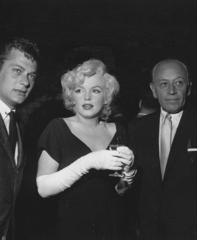 """1958 / by Earl LEAF and Roger MARSHUTZ... (Conférence de presse pour la sortie du film """"Some like it hot"""") (part 3, voir TAG)."""