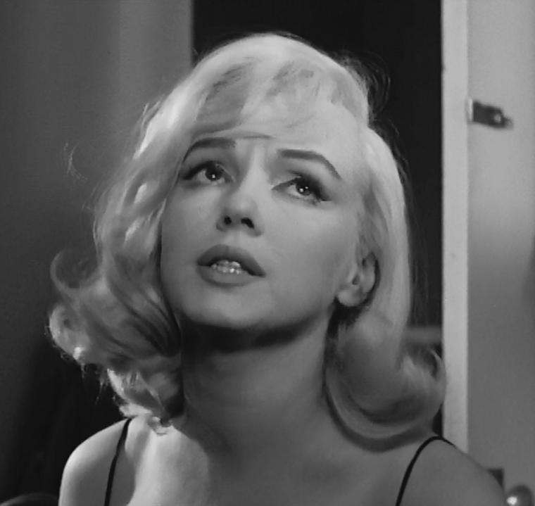 """1960 / Mes captures d'écran de Marilyn d'une des scènes du film """"The misfits""""."""