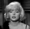 "1959 / Mes captures d'écran de Marilyn dans l'une des scènes du film ""Some like it hot""."