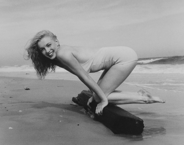1949 / by Andre De DIENES... Tobay-beach.